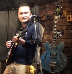 茨城県古河市のエレキギターとアコースティックギターのギター教室